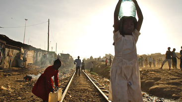 Kibera.water.girl